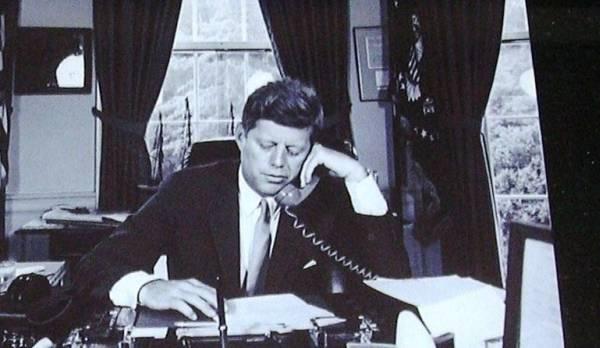 J F Kennedyケネディー大統領ホワイトハウス生写真 _画像1