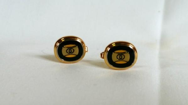 d0300535cada 正規美 グッチGUCCI インターロッキング GGロゴ エナメル装飾カフス 金×濃紺 カフリンクス ゴールド