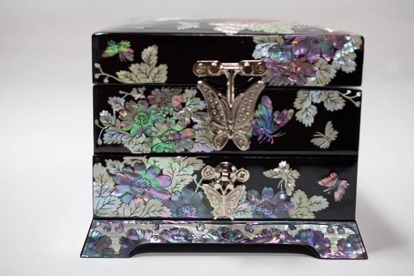 ■韓国 伝統工芸■高級螺鈿2段宝石箱■花と蝶■豪華!■