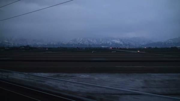 寝台特急「トワイライトエクスプレス」 車窓 大阪→札幌 (冬季) (BD-R DL3枚組)_立山連峰を望む