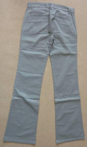 ♪Earl Jean ライトグレーのブーツカットパンツ サイズ27♪_画像2