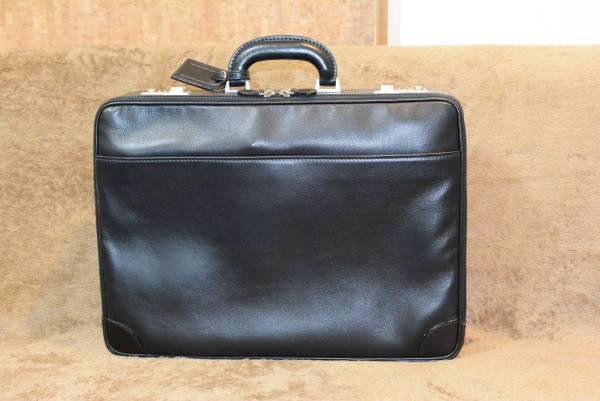 美品 最高級デルガDELLGA★レザーアタッシュケースビジネスバッグ黒★ 17-3_画像1