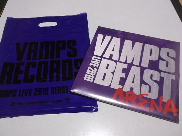 △ VAMPS 【 LIVE 2010 BEAST ARENA パンフ 袋付】未開封新品♪