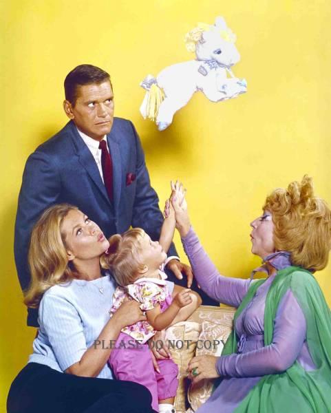 1964年 奥さまは魔女 エリザベス・モンゴメリー フォト2枚付き