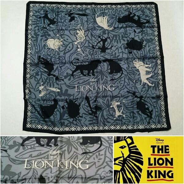 DISNEY【ライオンキング/スカーフ】73×72cm 希少入手困難!!!!! ディズニーグッズの画像