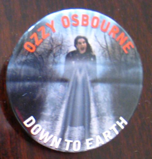 オジー・オズボーン*Ozzy Osbourne*Down To Earth缶バッチ