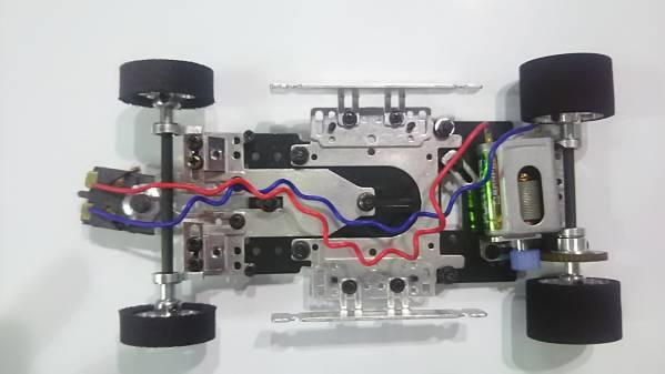 1_24スロットカー シャシーパーツセット_完成見本です。(オプション装着)