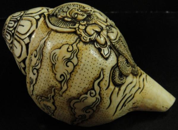 ◆チベット密教法具 法螺貝(シャンカ)ナーギー(龍神女)