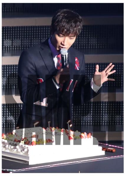 2PM Jun.k ジュンスARENA TOUR LEGEND OF 2/13武道館 写真 20枚a