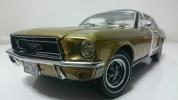 GreenLight/'68 Fordフォード Mustangマスタング 金x黒 1/18