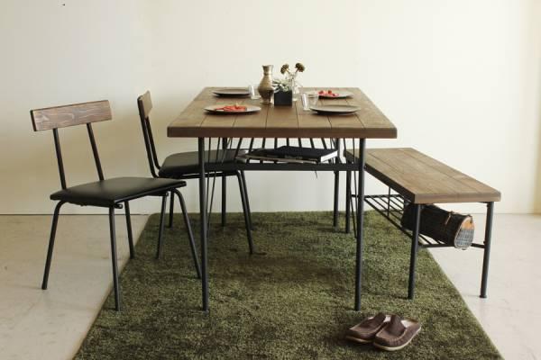 送料無料 パイン無垢材とアイアンのマッチング USED感のある テーブルとチェアとベンチの4人掛けセット