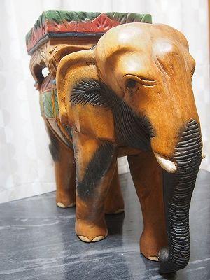 (アンティーク工芸品)木製手彫り象の置物_画像1