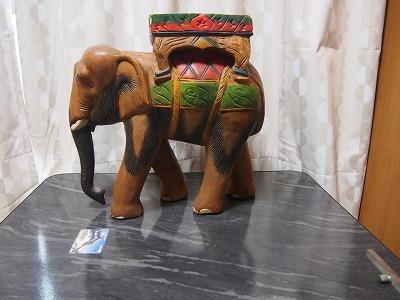 (アンティーク工芸品)木製手彫り象の置物_画像2