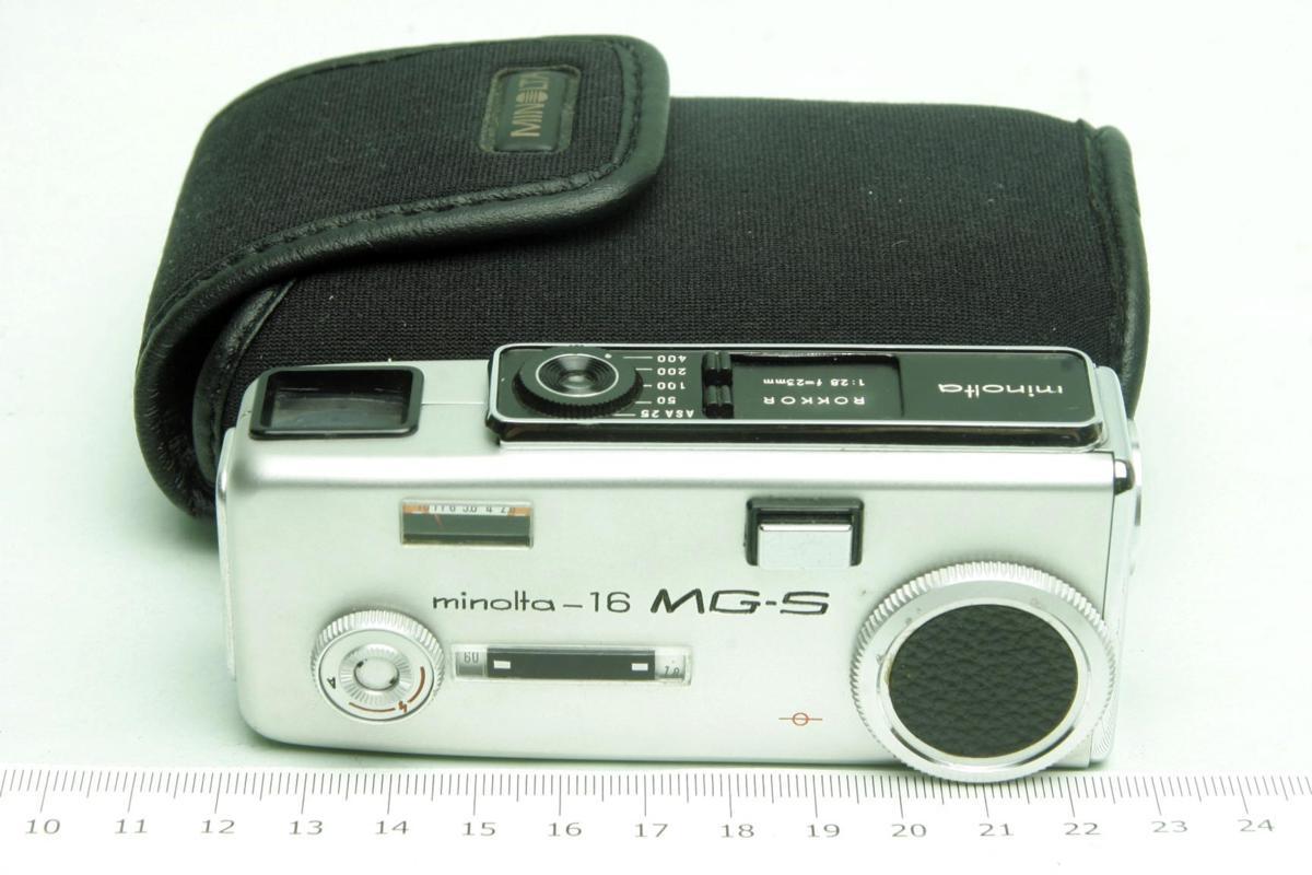 ※ ショーケース内展示品 レア コンパクトカメラ ミノルタ 16 MG-S 16MG S 23mm ロッコール ケース付 sa6322_画像1