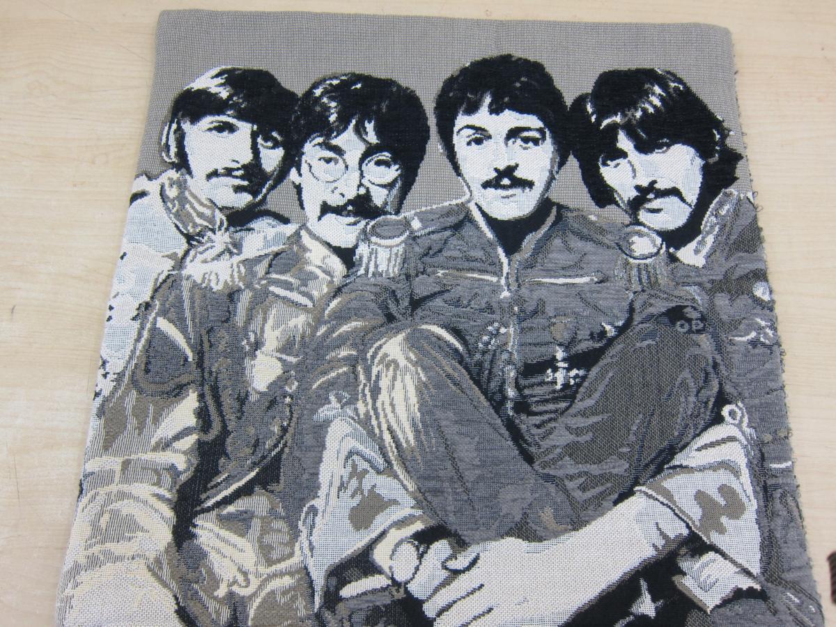 ☆美品  The Beatles ビートルズ クッションカバー チェルシーインターナショナル▽ ライブグッズの画像
