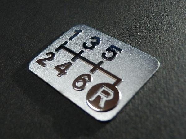 Tuningfan 6MT用 メッキ シフトパターン プレート 右下R 6速マニュアル 車検必須 バッジ エンブレム ラベル シール ステッカー 日本製_メッキ6MTシフトパターン右下R f
