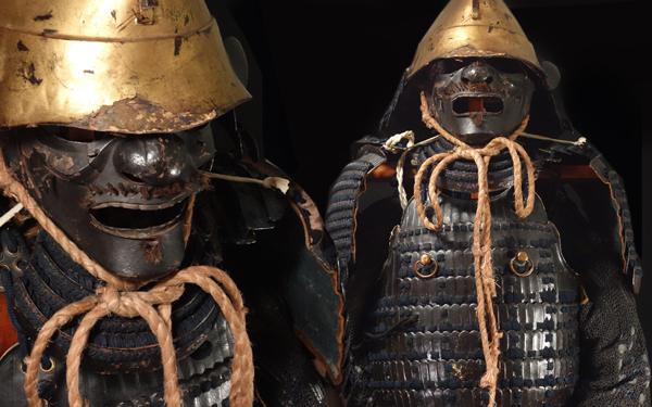 慶應◆江戸時代 金箔押烏帽子形兜 紺糸威二枚胴当世具足一式