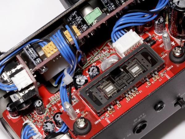 新品 ◆VOX MV50 AC ◆ 新真空管Nutube搭載ヘッドアンプ!! わずか540gで超コンパクトサイズ!!_画像3