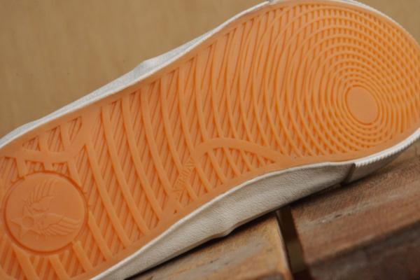 正規 AVIREX U.S.A. ASTRO スニーカー デッキシューズ スリッポン メンズ 靴 新品 AV3623 ブラック/カモ 26.5cm_画像4