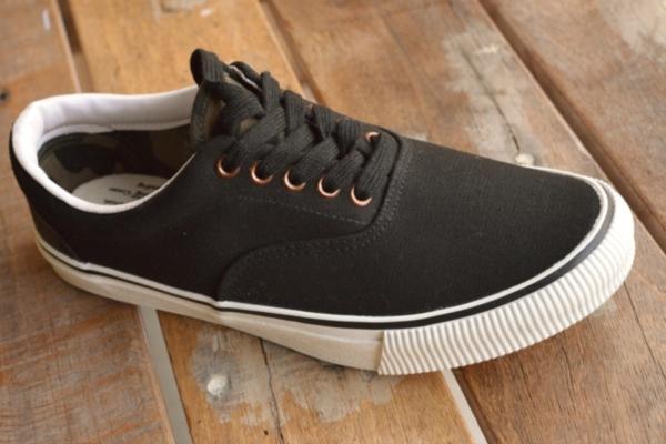 正規 AVIREX U.S.A. ASTRO スニーカー デッキシューズ スリッポン メンズ 靴 新品 AV3623 ブラック/カモ 26.5cm_画像9