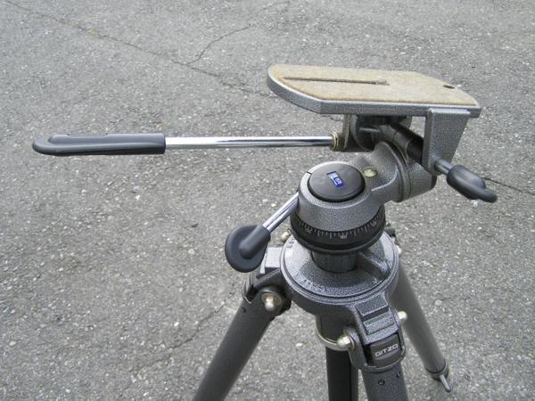 ★ハロ-カメラ★5696 GITZO 大型3段三脚 G412(縮 90/伸 205cm)・GITZO 大型雲台 G1570 太ネジ仕様 良品_画像4