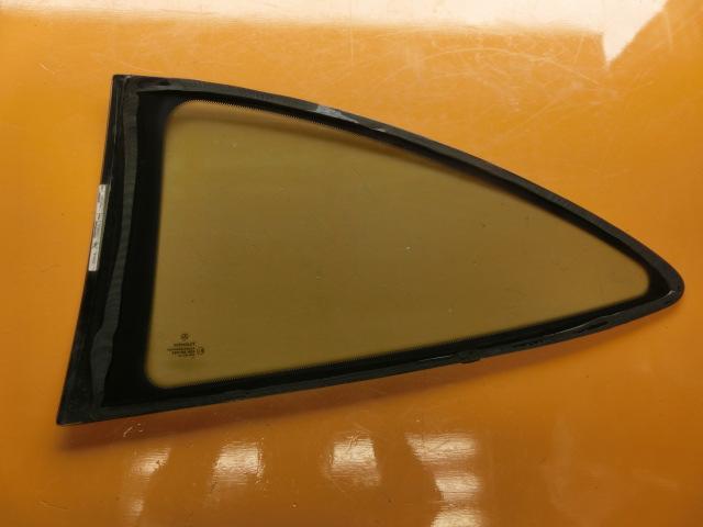 CLK200 平成13年 GF-208344 右 クォーターガラス ベンツ W208 CLK240 CLK320 リアガラス k_画像2