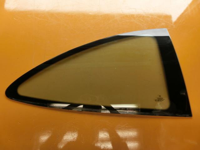 CLK200 平成13年 GF-208344 右 クォーターガラス ベンツ W208 CLK240 CLK320 リアガラス k_画像1