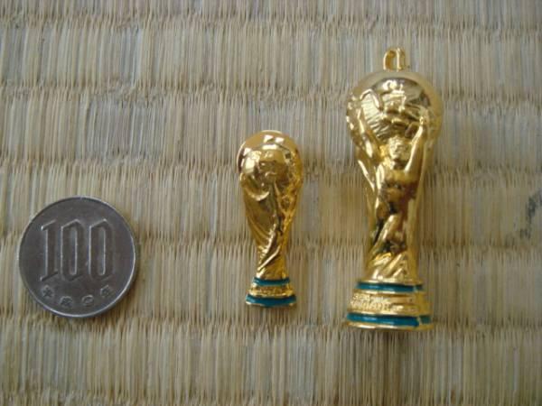 格安!ワールドカップ ピンバッジ&キーホルダー セット