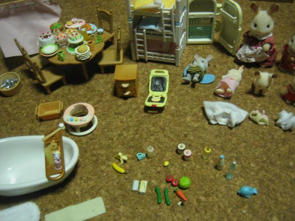 ★シルバニアファミリー 人形家具大量 あかりの灯る大きなお家_画像3