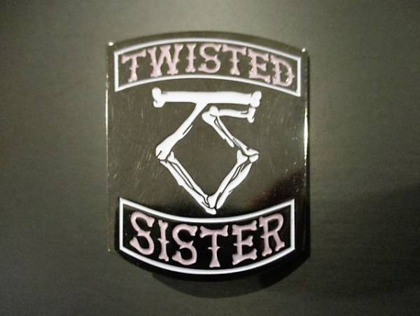 TWISTED SISTER メタルピンバッジ logo / iron maiden metallica