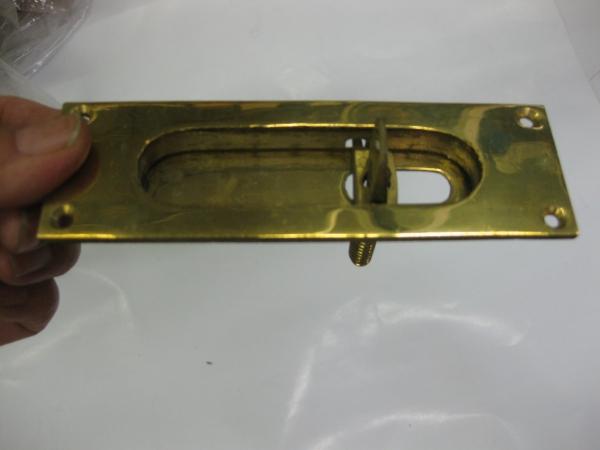 昭和に仕入れた角丸真鍮引手締り_画像2