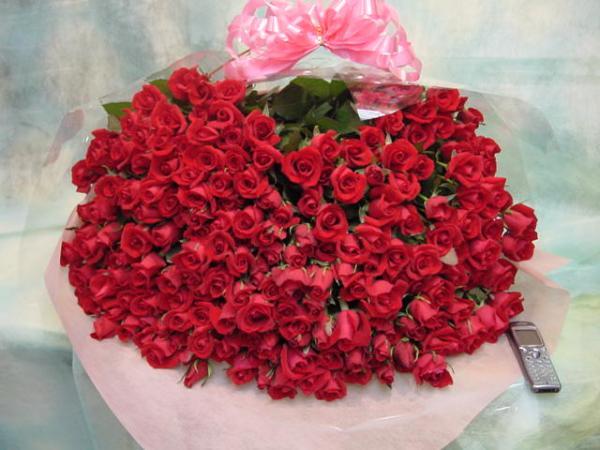 ☆彡e-Flower 送料0円 ド肝を抜~く!バラ200本花束☆彡 4/10着~_【イメージ商品】