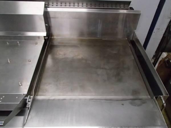 03-26141 中古 コメットカトウ グリドル(台付)CBPG-1185MFL6 グリラー 鉄板焼器 業務用厨房機器 店舗用 業務用調理機器 ガス式 都市ガス_画像2
