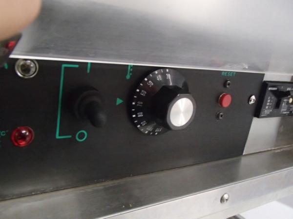 04-1022 中古品 タニコー 電気湯せん器 特注品SUS304 業務用 ステンレス 湯煎機 3相200V 温める 湯がき 槽 湯せん 麺 うどん そば 電気式_画像2