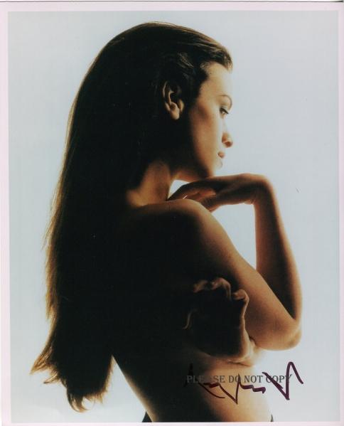 Angelina Jolie アンジェリーナ・ジョリー 直筆サイン フォト