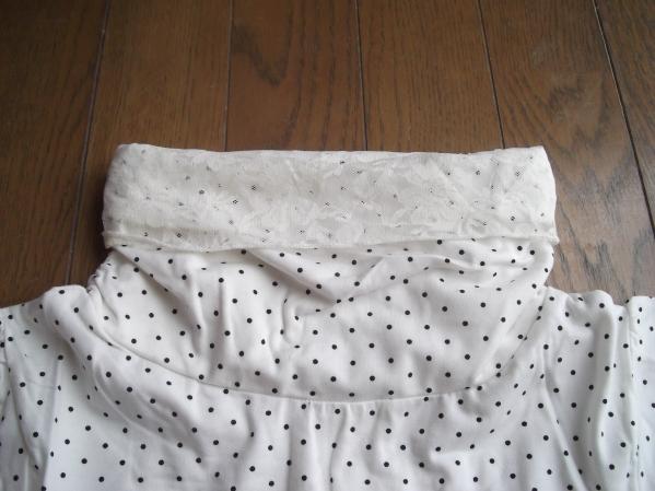 半袖水玉パフスリーブ ハイネックカットソー ホワイト
