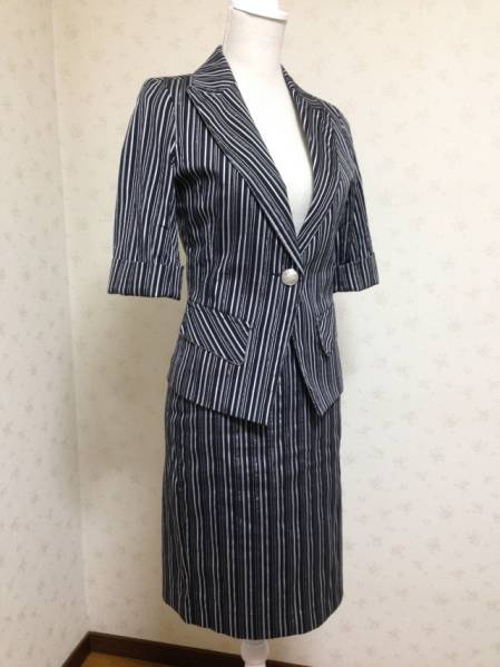 【上下セット】 ◆ ISSAC ◆ スーツ ジャケット スカート ストライプ