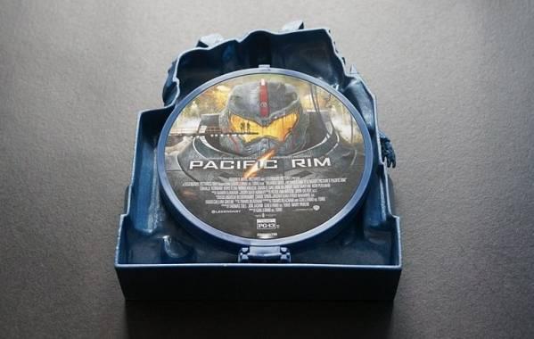 新品3D送料無料☆ パシフィック・リム イェーガー プレミアムBOX ★3D限定/菊地凛子_お届けは新品未開封品となります。