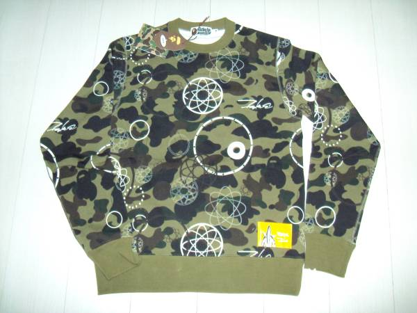 BAPE×FUTURA 1ST CAMO CREWNECK sweatshirt M size トレーナー スゥェット サイズ フューチュラ 迷彩 カモ be@rbrick 400%_画像1