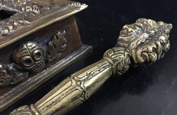 ◆チベット密教法具 3面憤怒尊プルパ(密教宝剣)FG