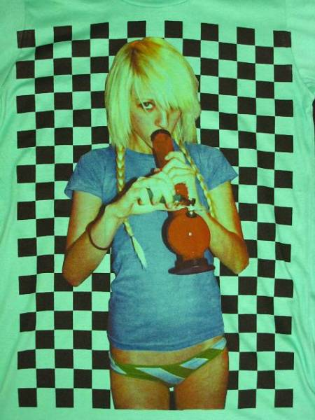 新品/マリファナ?水パイプを吸う女Tシャツ緑MLXLカンナビス(6)_画像2