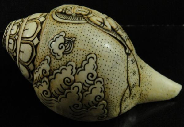 ◆チベット密教法具 法螺貝(シャンカ)ガルーダ像-2