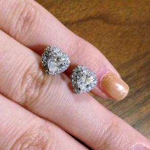 ハートシェイプ ダイヤモンド0.623/0.654/E/SI1 PT900ピアス_画像1