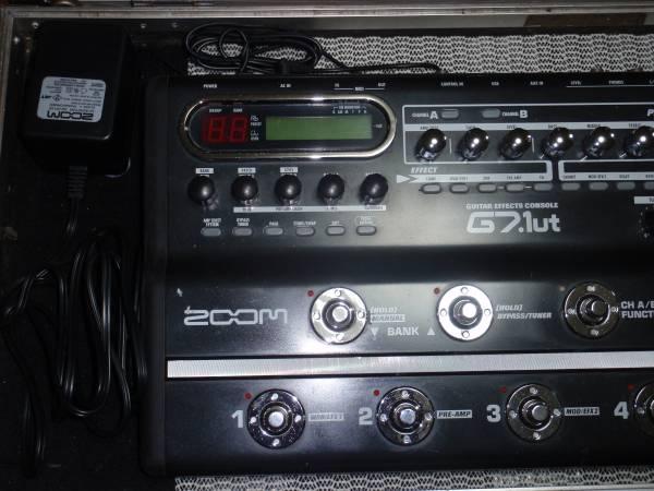 ■ZOOM G7 1ut マルチエフェクー/AC・Kohshin Satohケース付