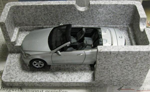 ☆レア*ディーラー限定*Norev*1/18*Mercedes-Benz E-Class A207_画像3