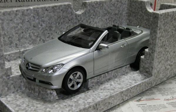 ☆レア*ディーラー限定*Norev*1/18*Mercedes-Benz E-Class A207_画像1