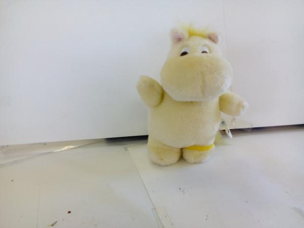 D5635♪ムーミン 黄色ぬいぐるみ グッズの画像