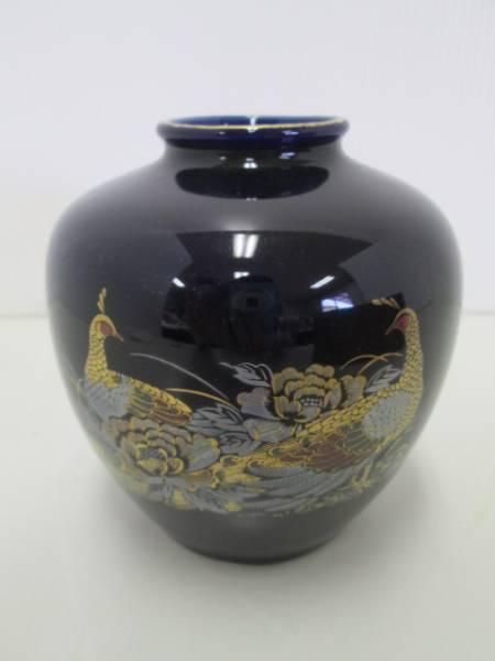 【良品!】 ● 壺 ● 2匹の孔雀と牡丹の花 藍色
