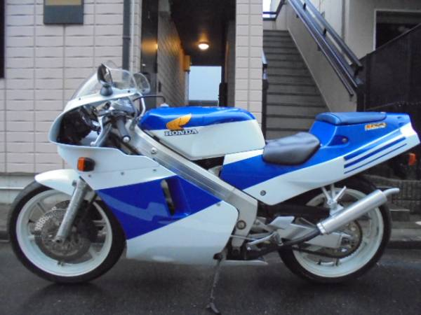 「注目!NSR250R MC18 青テラ '88  」の画像3