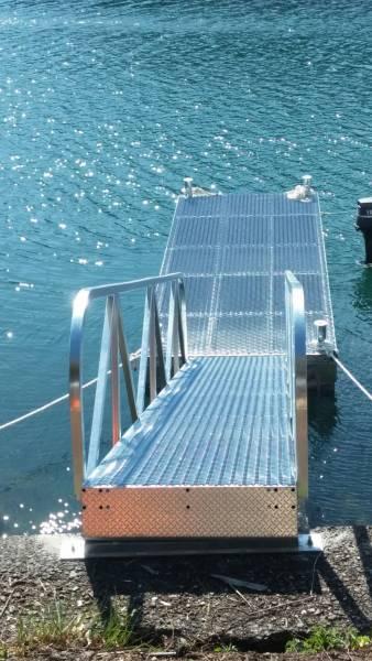「モーターボート ヨット用簡易浮き桟橋 検)ポンツーン 台船 筏」の画像2
